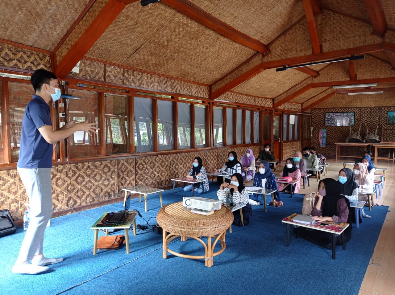 Last month, YUM's Vocational Training Center (VTC) conducted a Financial Literacy Workshop and invited a keynote speaker from Jakarta, Nicko Yosafat Marpaung