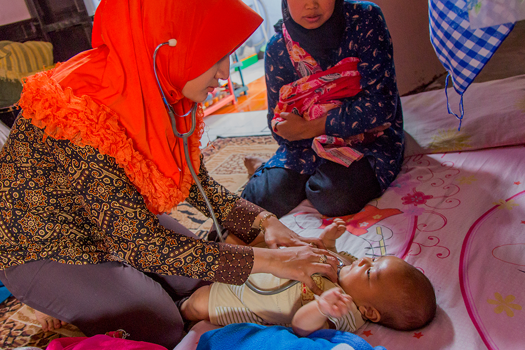 YUM is working together with Adidhana Foundation and 1000 Days Fund focusing its Cipanas health post care on the prevention of Stunting through the monitoring of pregnant women and children.