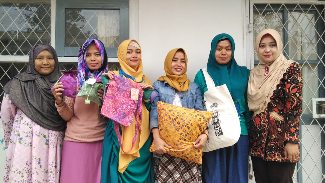 The production of YUM's merchandise has empowered a group of women in Cipanas by providing job opportunities and income.